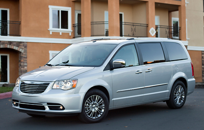 2011 Chrysler Town Country Review