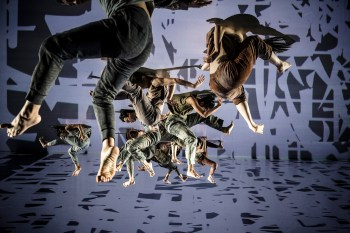 The Power of Words: Cloud Gate Dance Theatre of Taiwan Returns with a Final Work by its Founder