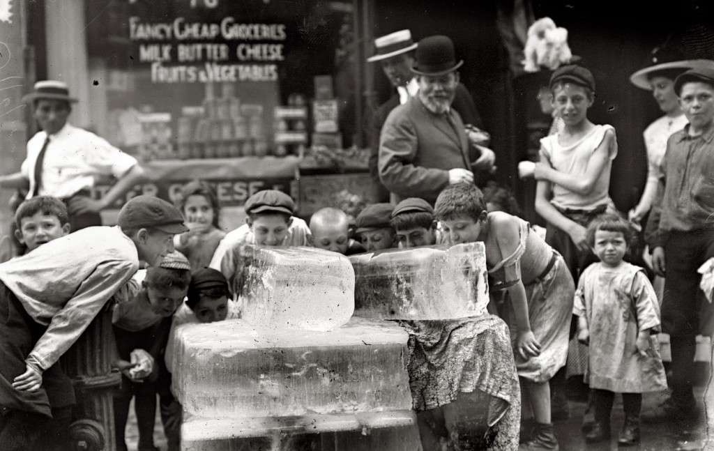 Boys licking ice in New York City. Photo courtesy Library of Congress.