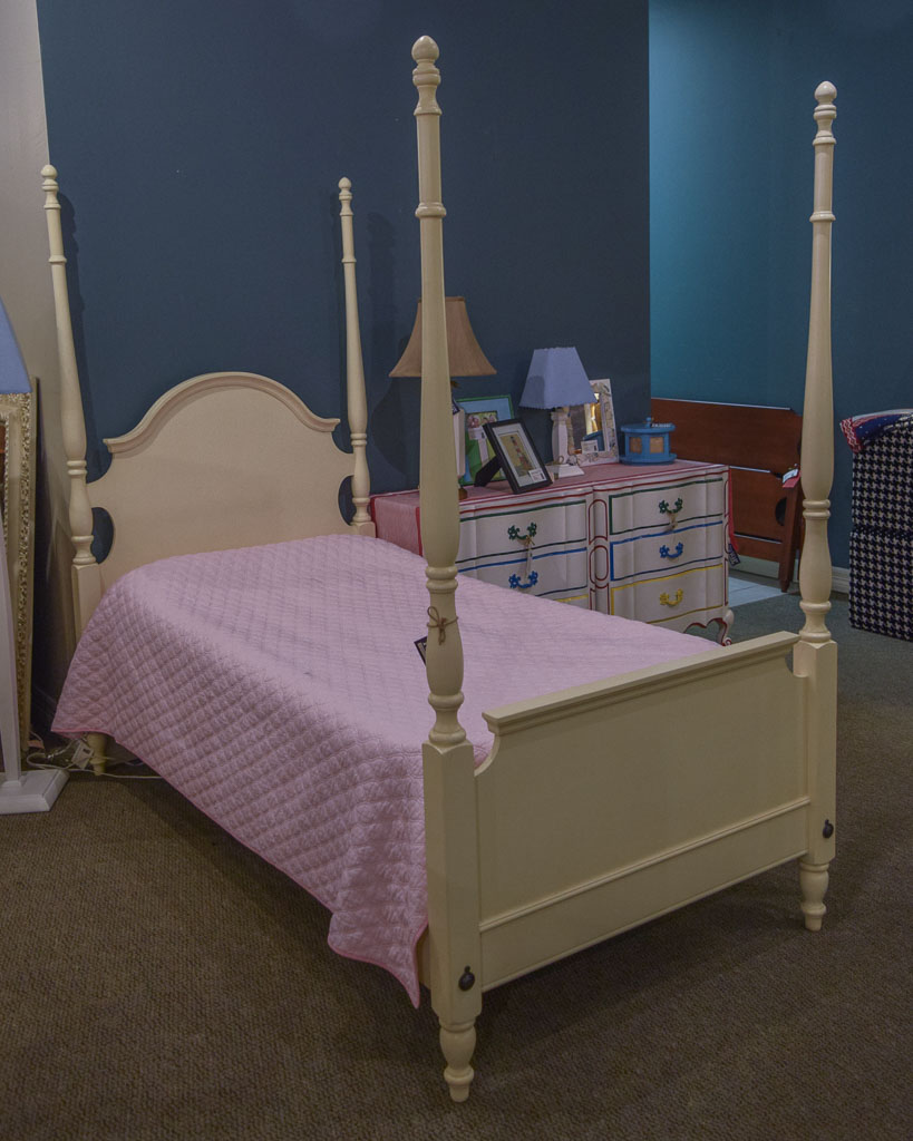 ethan allen twin poster bed