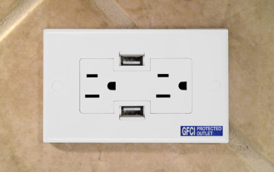 Decora Plus 15 Amp Duplex Outlet White