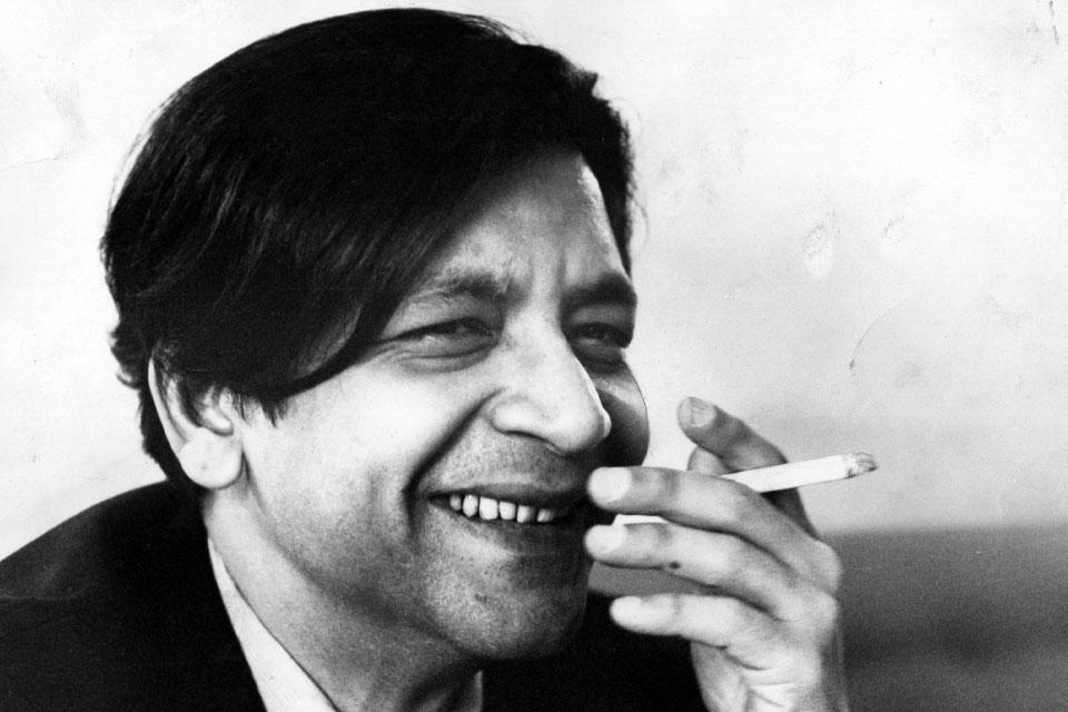 Vidiadhar Surajprasad Naipaul, West Indian novelist, in 1968 (Photo by John Minihan/Evening Standard/Getty Images)