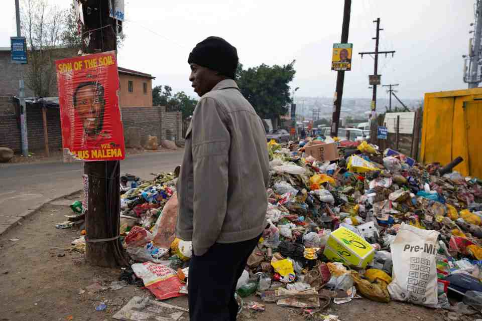8 May 2019: On election day in Diepsloot, residents said rubbish had not been collected for more than two weeks.