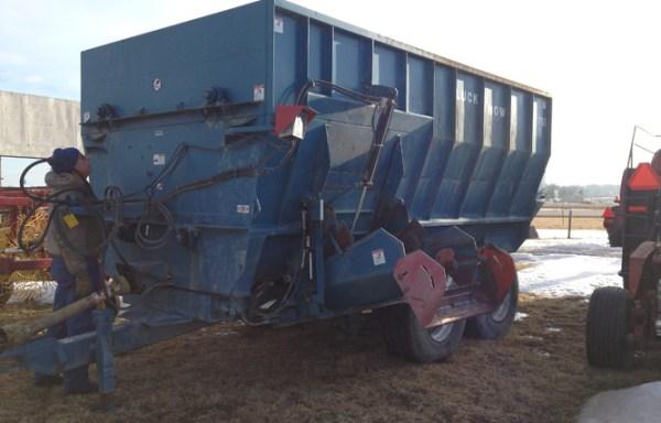 Feed/Mixer Wagons