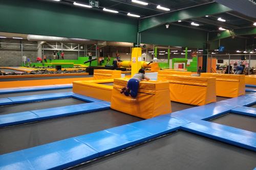 Arène de trampolines