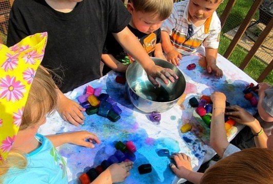 Top 11 Excellent Water Games for Kids  with Pictures and Video     8  Ice Cube Painting