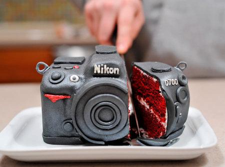 Nikon-D700-Camera-Cake-1.jpg