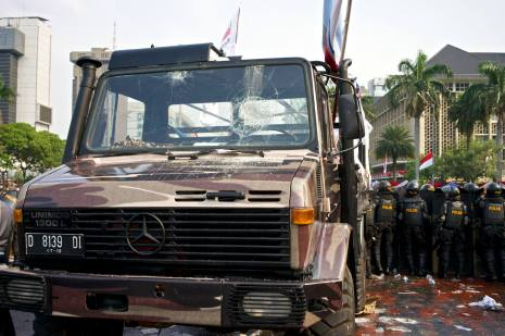Truck used by Prabowo supporters to attempt a barricade break through.