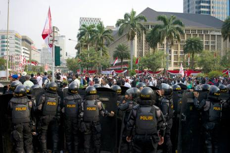 Prabowo's supporters return.