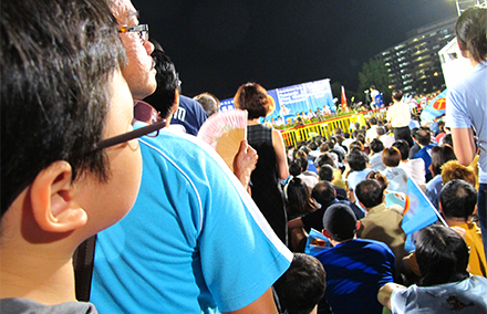 A rally for Singapore's main opposition Worker's Party. Photo by Steel Wool on flickr https://www.flickr.com/photos/wynnie/