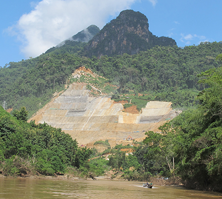 A few kilometres downstream from Ban Peng, the Chinese company is building the Nam Tha 1 dam. Construction should be completed by 2017. Photo: Olivier Evrard