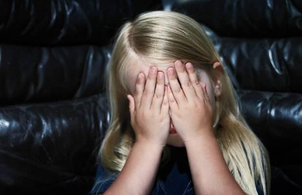 https://i2.wp.com/www.newnotizie.it/wp-content/uploads/2011/06/Bambina-abusata-da-genitori.jpg