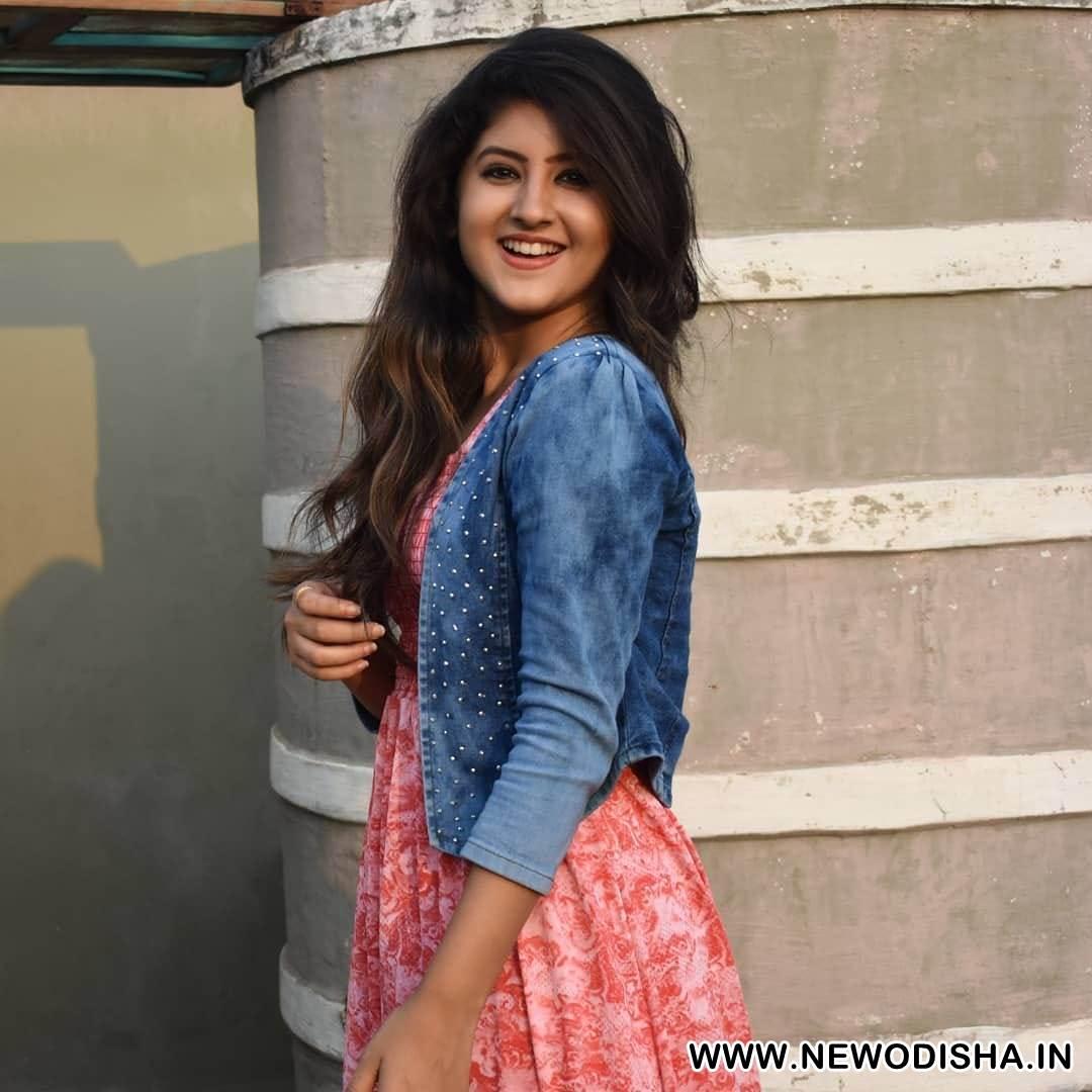 Bhumika Dash Odia Heroine Cute HD Photo,Age,Date of Birth