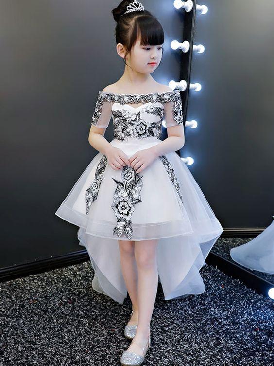 e82f16dd3 ارقي صور فساتين موديلات حديثة وتصميمات جميلة جدا لعشاق الجمال في الأزياء  اجعلي طفلتك الأولي والمتميزة ديما في الخروجات والمناسبات واليكم الاختيار بين  احدث ...