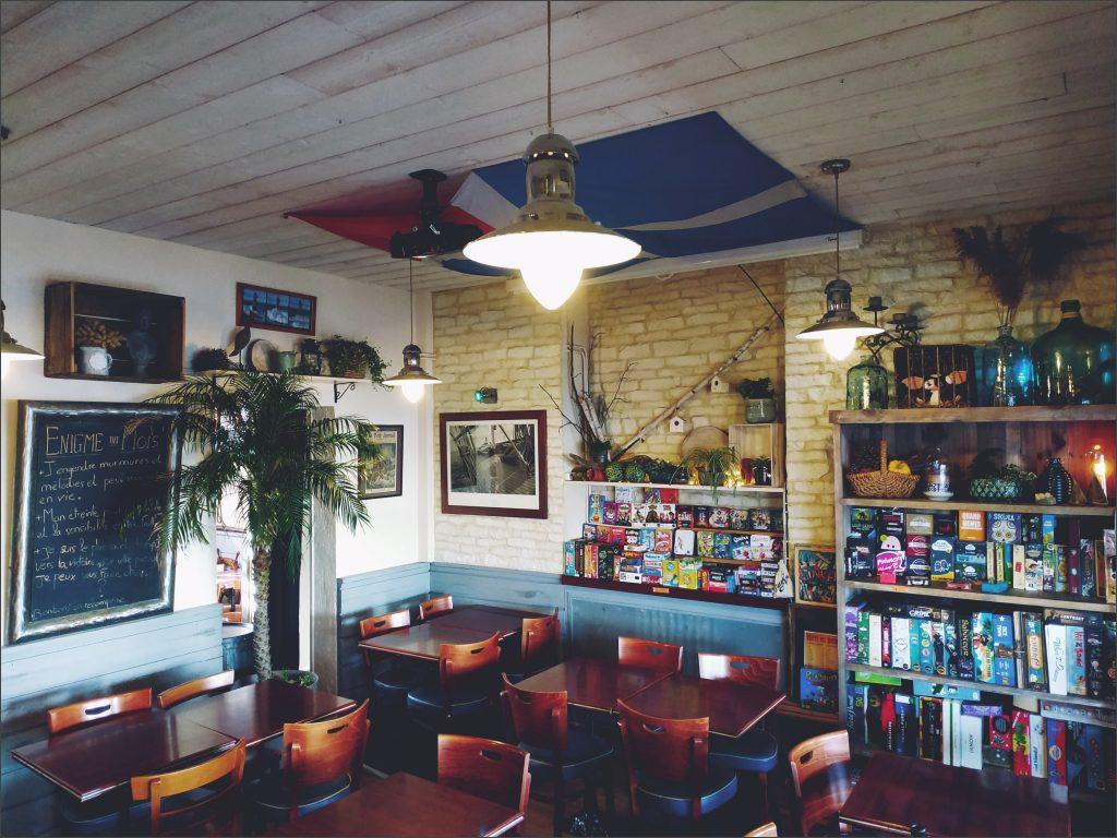 www newport cafe com