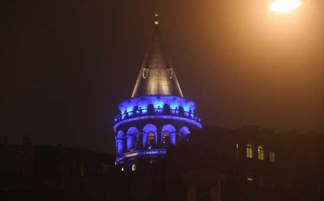 Турция сегодня вечером окрасится в синий цвет
