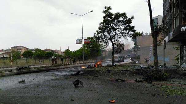Взрыв заминированного авто в Стамбуле: 8 раненых