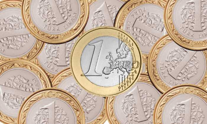 Евро бьет исторический рекорд: 8 лир