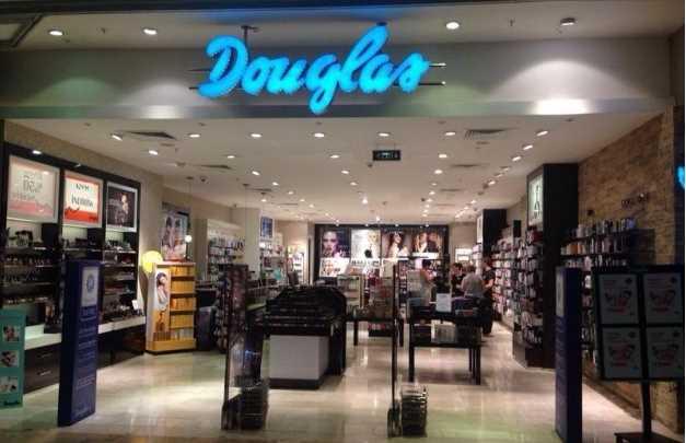 Магазины косметики Douglas покидают Турцию