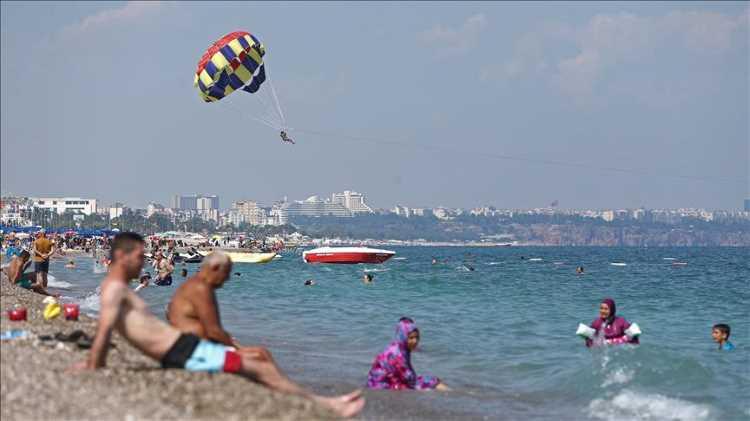 Министр туризма Турции назвал сроки начала сезона