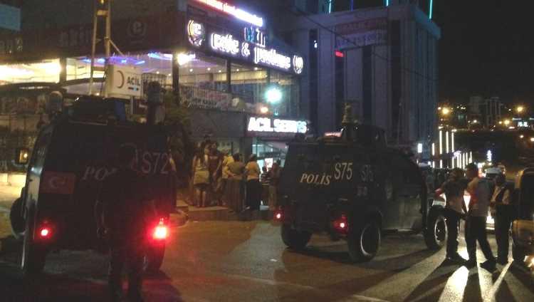Обстрел кафе в Стамбуле: 1 погибший, 2 раненых