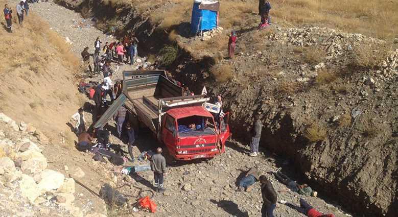65 нелегалов пострадали при аварии грузовика