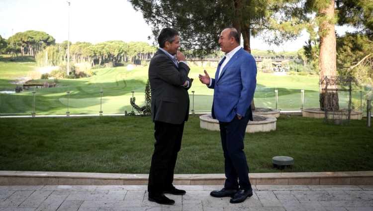Главы МИД Турции и ФРГ провели «встречу без галстуков»