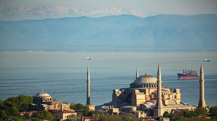 Чистый воздух Стамбула позволяет увидеть Улудаг