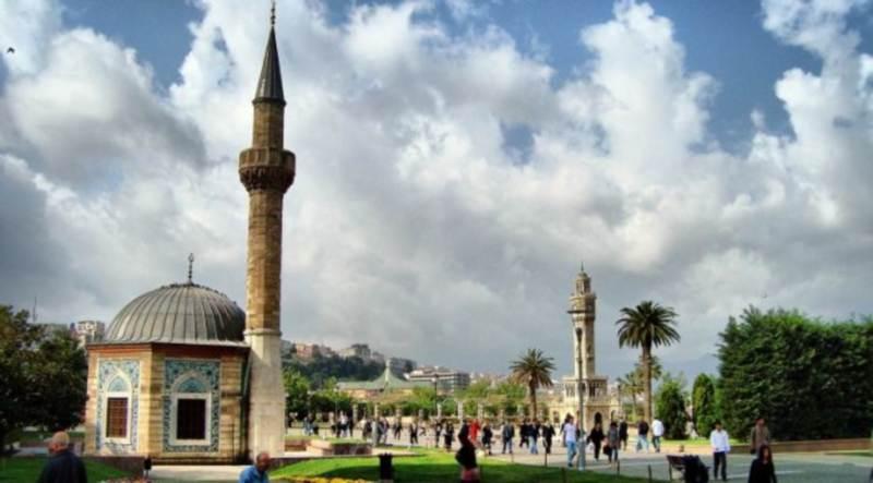 Мечети Измира исполнили песню итальянских партизанов «Белла чао»
