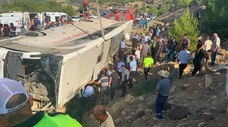 В ДТП с автобусом погибли 5 военнослужащих