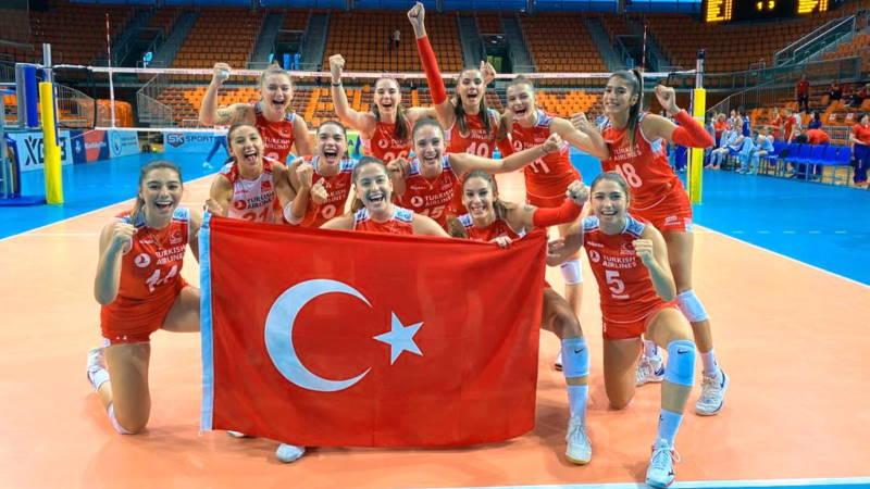 Юные волейболистки стали чемпионами Европы