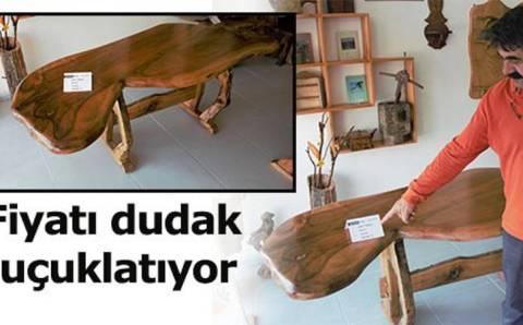 Необычный стол можно купить в Сивасе за 650 000 лир