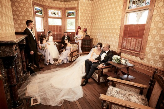Effects filter used for bridal group photographed in Rio Vista Homestead Mildura, by Excitations.