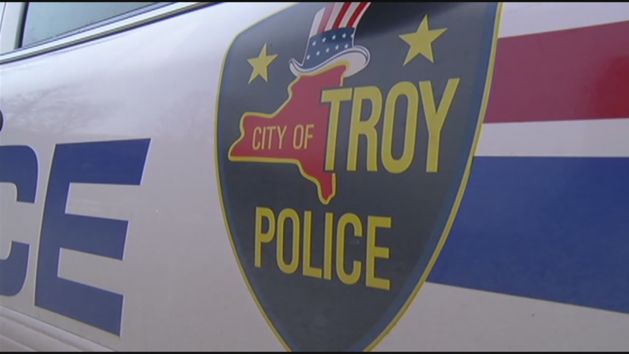 troy police3_137820