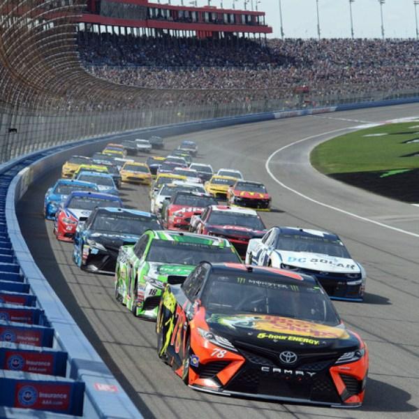NASCAR Fontana Auto Racing_713691