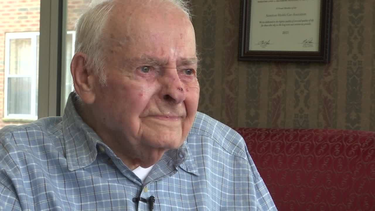 Local WWII vet tells emotional story of fighting on D-Day, returning home