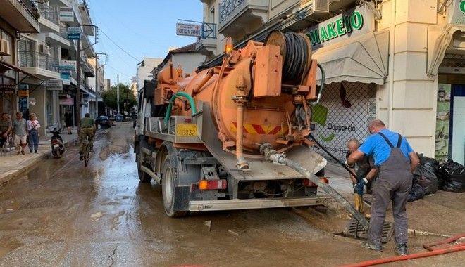 Απαντλήσεις υδάτων στο κέντρο της Καρδίτσας