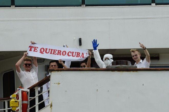 Το πλήρωμα του βρετανικού κρουαζιερόπλοιου ευχαριστεί την Κούβα