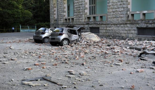 Εικόνα από τα Τίρανα μετά τον σεισμό των 5,6 Ρίχτερ