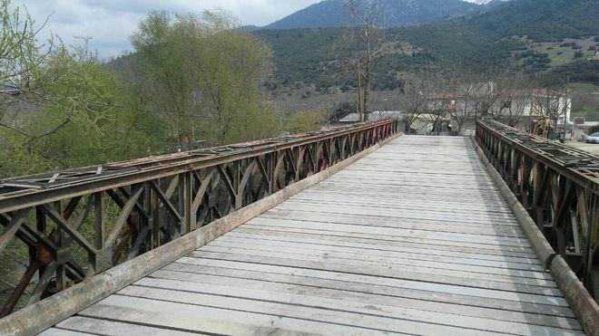 Παραδόθηκε στον Φενεό Κορινθίας, γέφυρα τύπου Μπέλεϋ