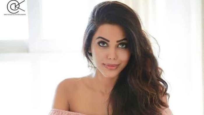 Natasha Suri tests positive for COVID-19; to skip promotions of Bipasha Basu-Karan Singh Grover's 'Dangerous'