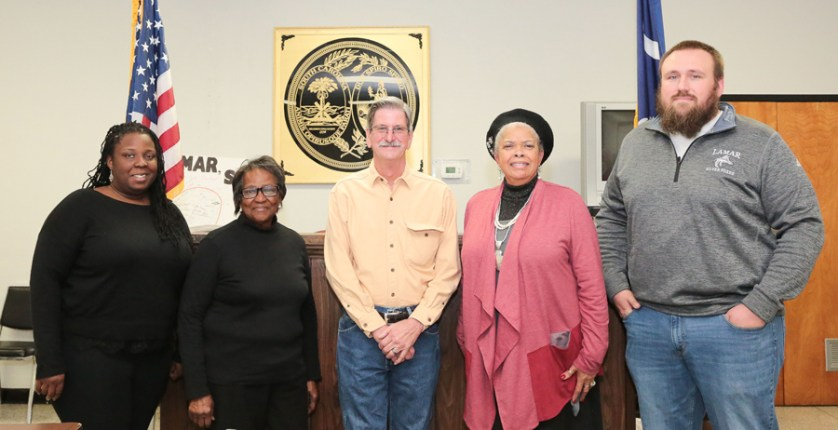 New Lamar Mayor and council hold first meeting