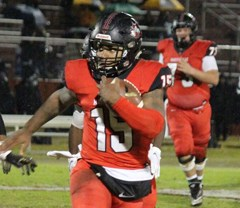 Hartsville's defense smothers North Augusta  as Red Foxes advance to lower-state championship