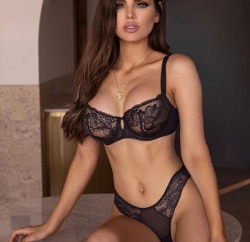 Nicole-Thorne-b640