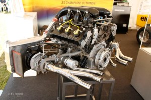 renault_rs01_engine_F1