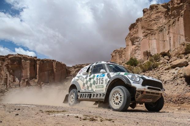 2016-Dakar,-Mikko-Hirvonen-(FIN),-Michel-Perin-(FRA)---AXION-X-raid-Team-315---06.01.2016
