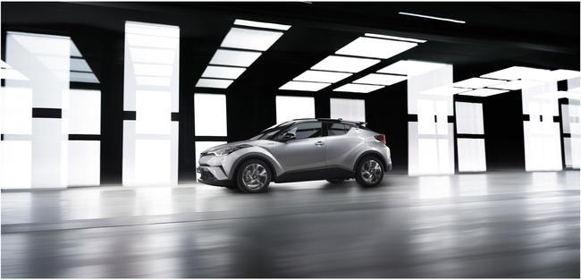 2016+GMS_Toyota+C-HR_09__mid