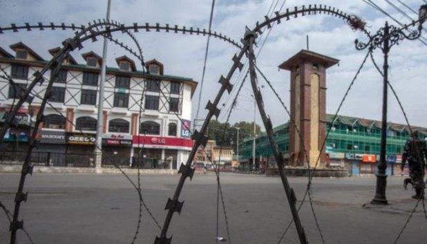 curfew-kashmir-