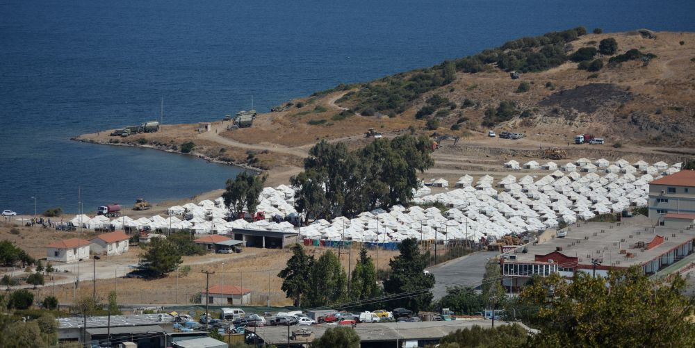 Ο Δήμος Μυτιλήνης θα ψάξει να βρει «κατάλληλο χώρο» για τη δημιουργία νέου ΚΥΤ, αρκεί να κλείσουν τα παλιά