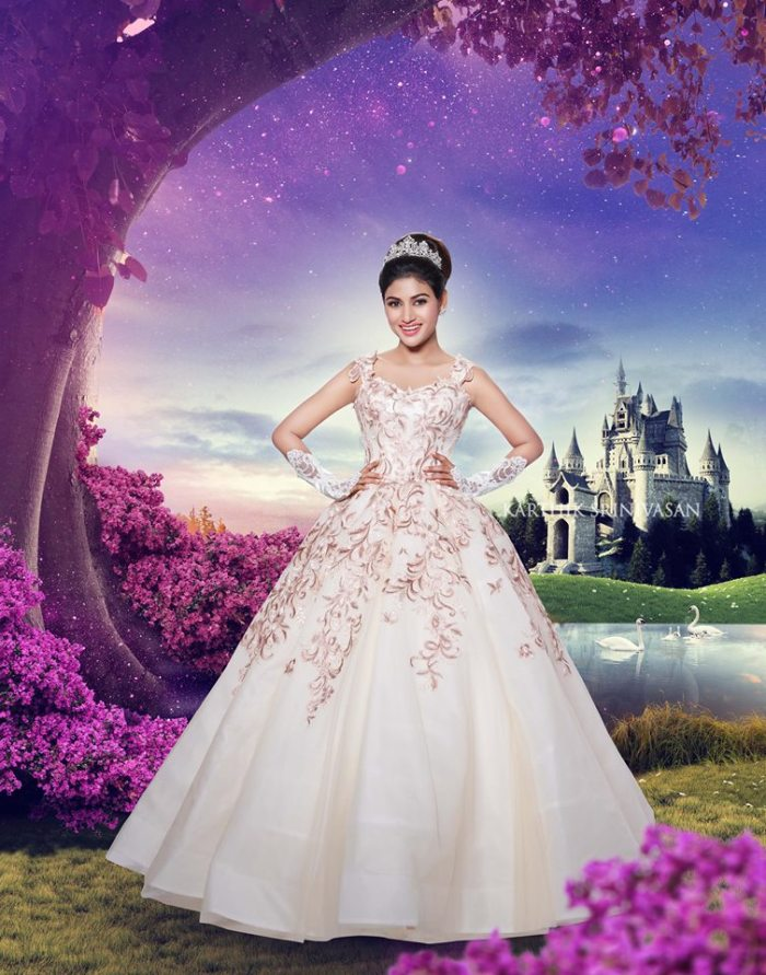 "Oviya Helen as in ""The Princess Diaries"""